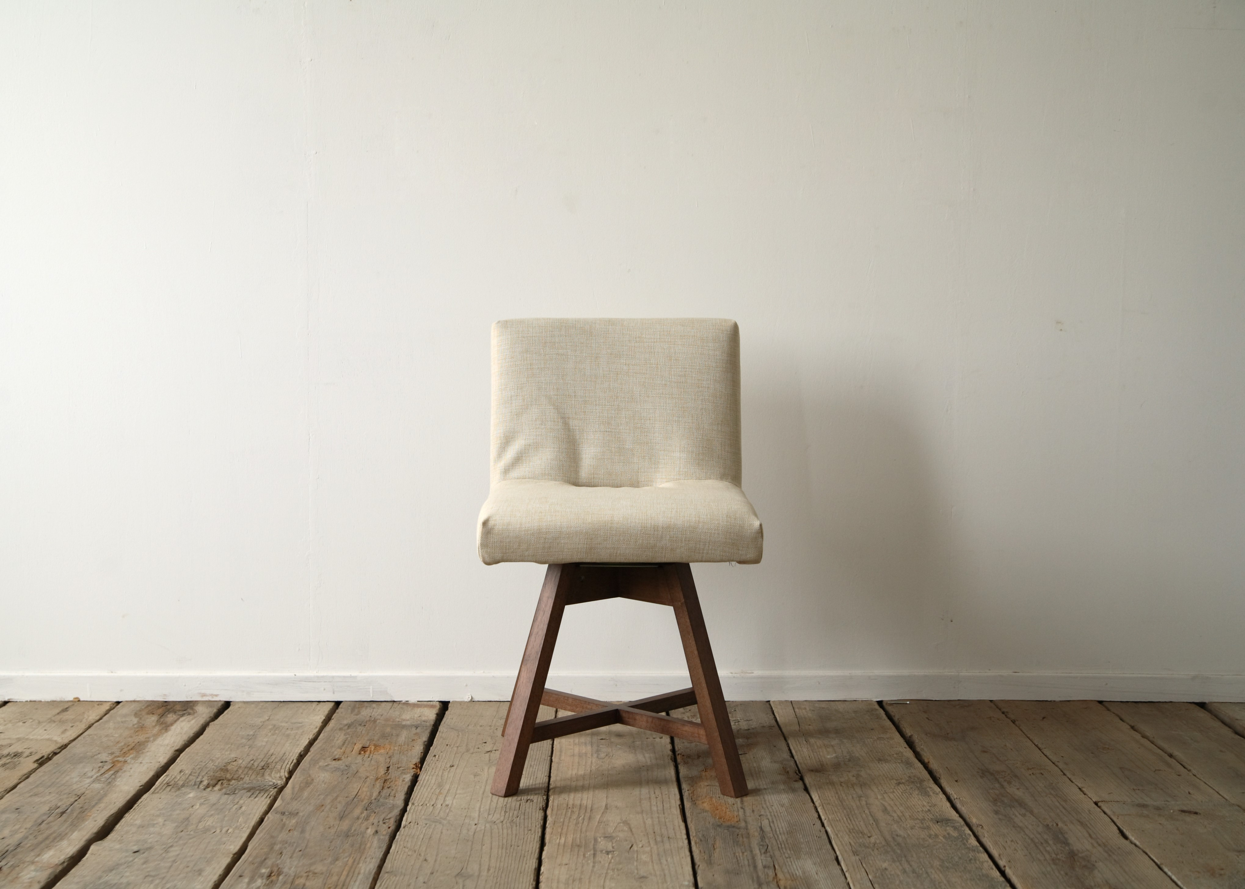TOCCO ROUND CHAIR