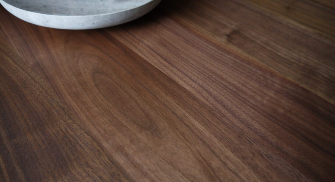 Y HOPE DINING TABLE DETAIL